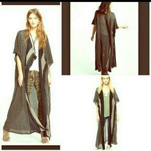 Free People kimono. Host Pick